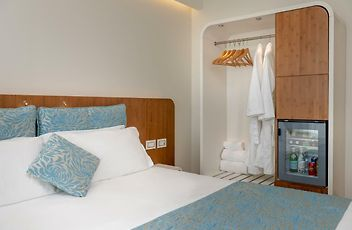 Agatha motel 748608