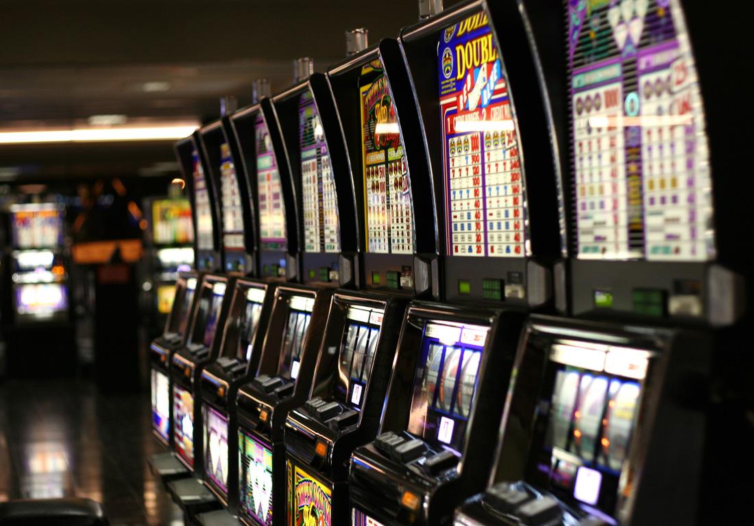 Casino com 242373